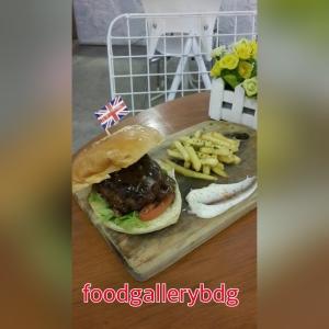 burger swiss mushroom beef (33k)