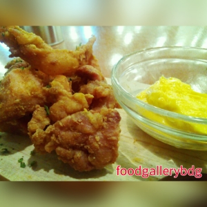 boneless crispy chicken with cheesy sauce (25k)