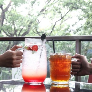 bossy passion berry (30k) mango big tea (15k)